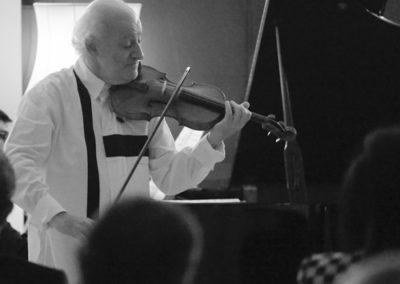 Eduard Wulfson performing